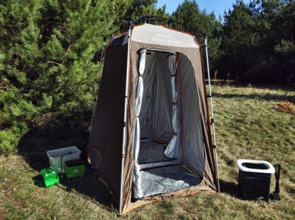 Complete luxe camping badkamer met douche en toilet